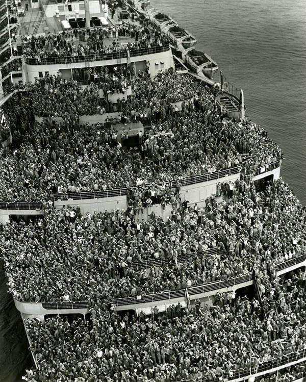 REVENIREA TRUPELOR AMERICANE 1945
